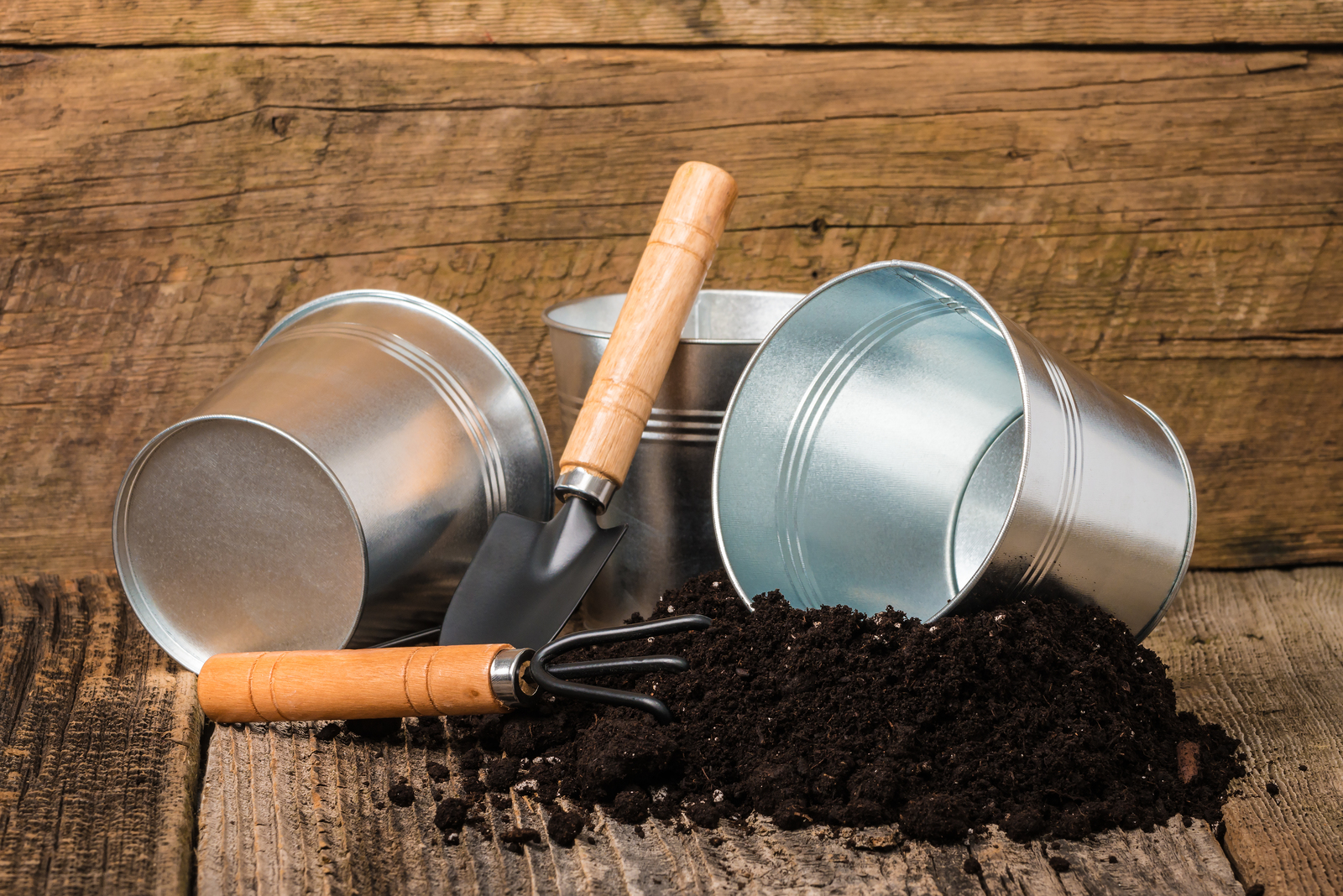 9 Ways to Put Nutrients Back Into the Soil
