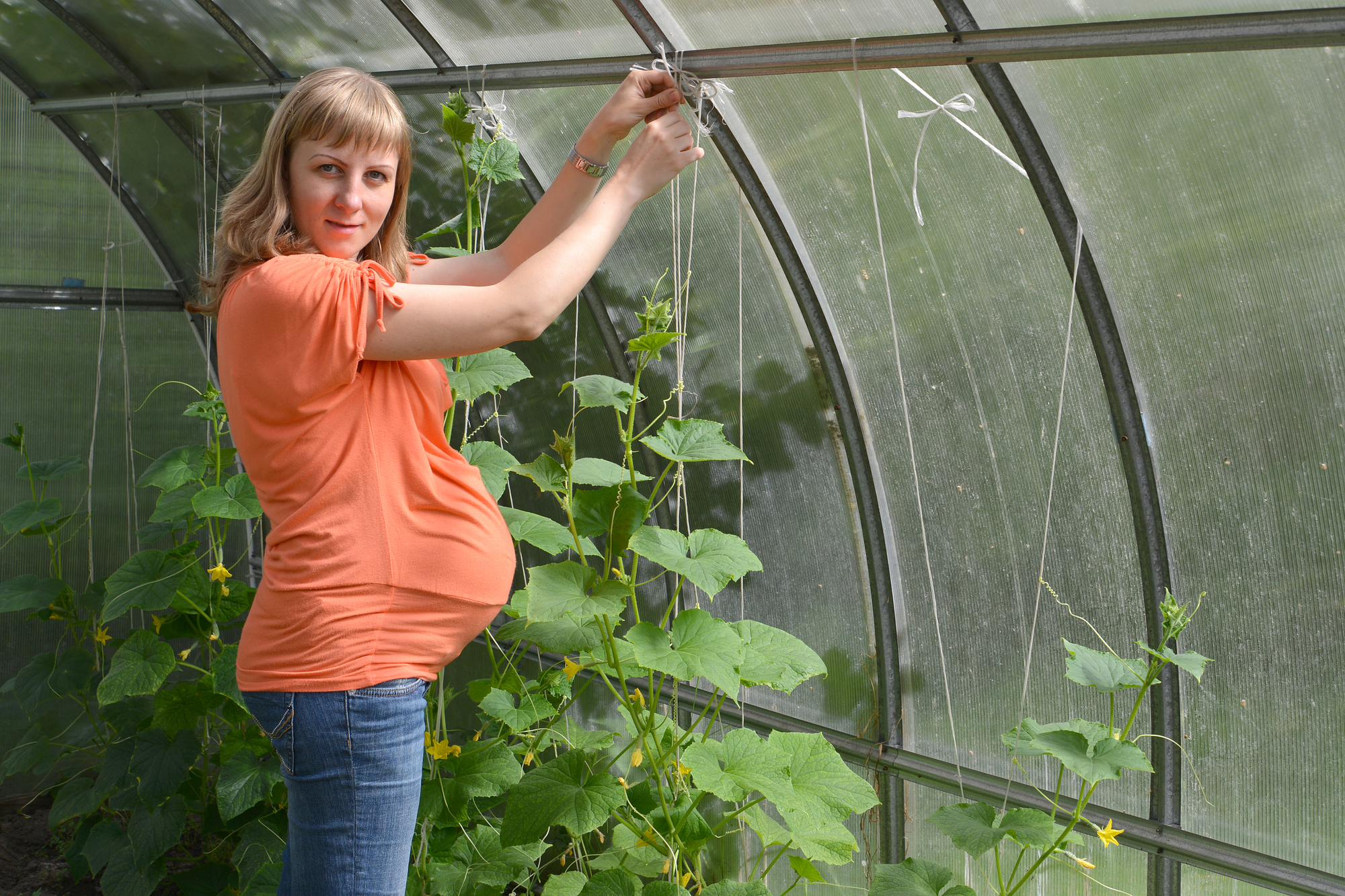 A Guide to Gardening While Pregnant